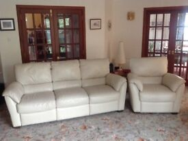 Shiraz 3 seater sofa (recliner) and 2 reclining armchairs in beige leather. Perfect condition.