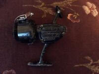 Vintage Shakespeare Sigma SPINNING REEL 2200 SERIES FISHING