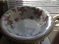 Very pretty old wash basin, maple & co London, no chips or cracks