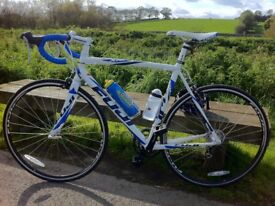 Fuji Roubaix 3.0 Road Bike