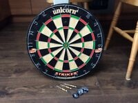 Dart Board and darts VGC