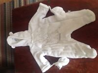 Fab white velour baby snowsuit with detachable mittens. Size 0-3 months