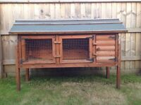 Great quality Rabbit hudge. Solid build by local centre. Great condition!