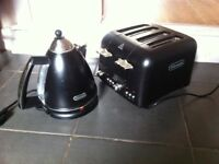 Black and chrome kettle and 4 slice toaster
