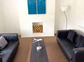 BRIGHT 2 BED APPARTMENT 2 MINS WALK TO UNI & CITY CENTER