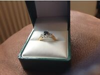 18 carat gold sapphire ring size N in perfect condition