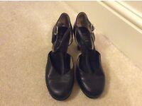 Bloch black leather splitflex heels