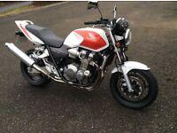 Honda cb1300 14989 miles brand new brembo disc / pads new Tyers / Remus exhaust