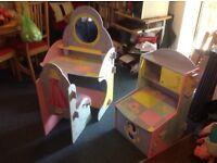 Disney princess toy box and dresser good condition