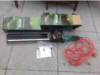 Qualcast 500w electric hedge trimmer