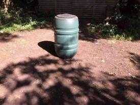 Garden Water Butt/Barrel Complete with Lid & Tap