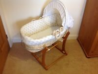 High quality Mothercare Moses basket with rocker in neutral colourway