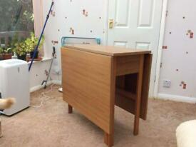Dinning Table Foldable £20 ONO