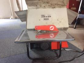 Screwfix electric tile cutter. Good condition just needs new blade