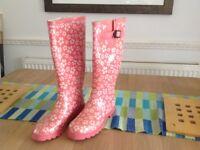 Wellington boots size 4