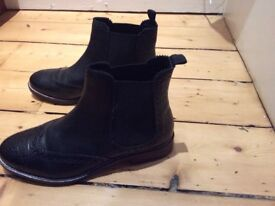 Dune ankle boots size 38. Worn briefly only once.