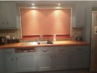 Kitchen units as shown with integrated dishwasher