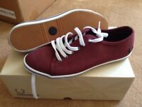 Fred Perry trainers size 6. Nearly new