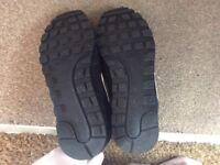 Men's trainers size 7.5 black