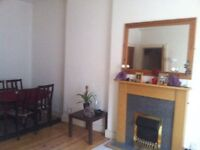 BRIGHT 1 BEDROOM FLAT FOR RENT IN POLWARTH