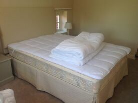 5' bed with headboard and valance