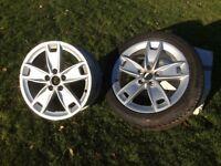 Audi (VAG) Alloy wheels, 5 stud, 5 spoke rims.