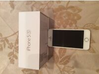 IPhone 5s 32gb gold with white face excellent condition used on O2