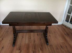 Wooden extendable dining table £75