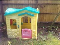 Wendy House: Little tikes