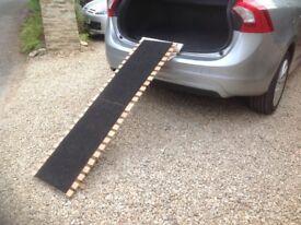 Wooden folding dog ramp
