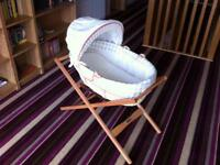 Mamas and Papas Jamboree Moses Basket and Stand
