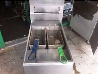 DOUBLE TANK FRYER KITCHEN CHIPS FRIES CUISINE COMMERCIAL FASTFOOD RESTAURANT CATERING TAKEAWAY CAFE