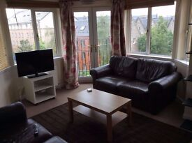 Working Flatmate Wanted For Easter Dalry Drive Flat