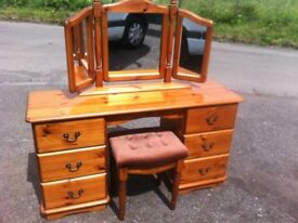 Stunning knee hole solid antique pine dressing table with sit on mirror and matching stool