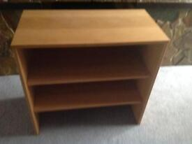 Bookcase/shelf unit