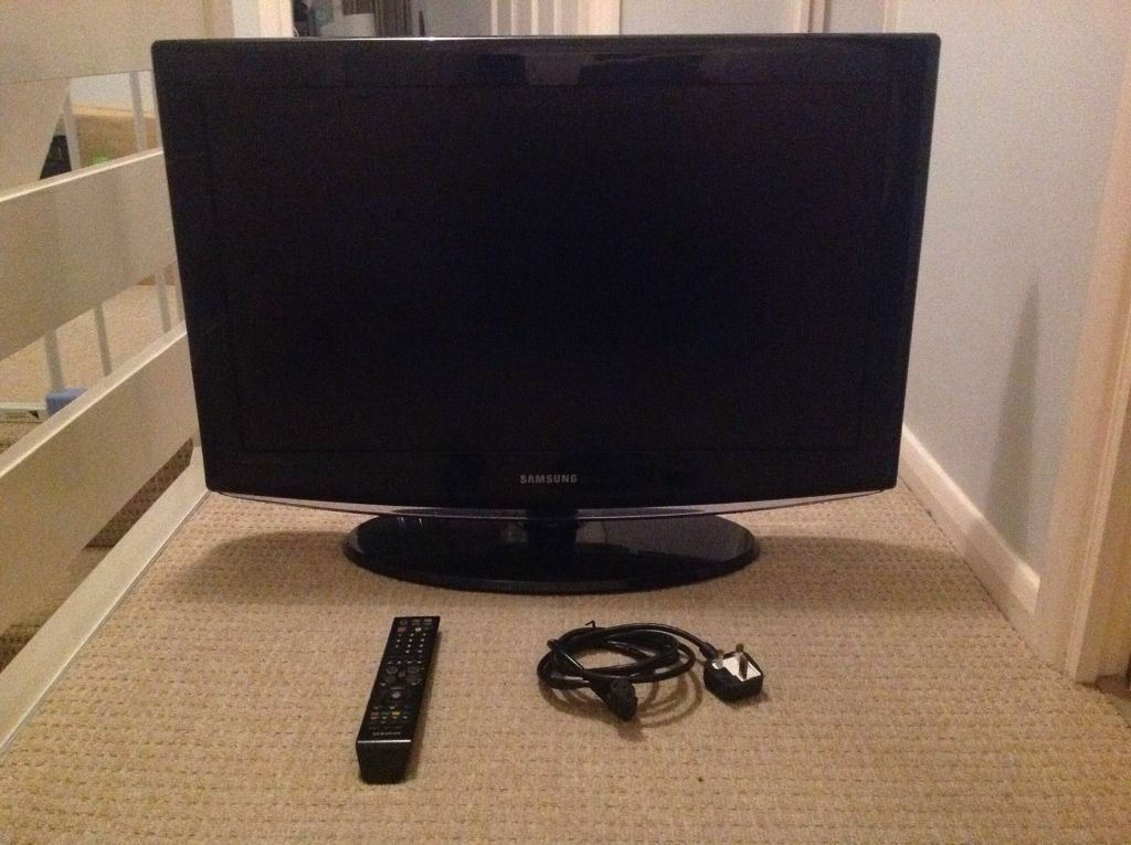 samsung 32 inch led tv 720p model le32r88bd great condition inc remote 50 in bournemouth. Black Bedroom Furniture Sets. Home Design Ideas