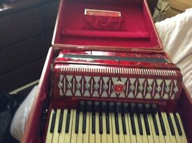 Very good condition baile 120 base accordion 11 voices