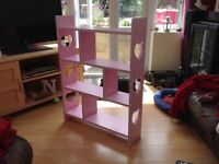 Set of pink shelves with heart motif