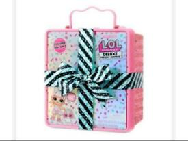 BRAND NEW L.O.L. Surprise Deluxe Present Surprise 6 YEARS +