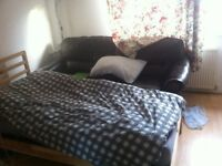 To rent 2 large Double Bed room in flat sharing in Swiss Cottage (LONDON NW6 4RP)