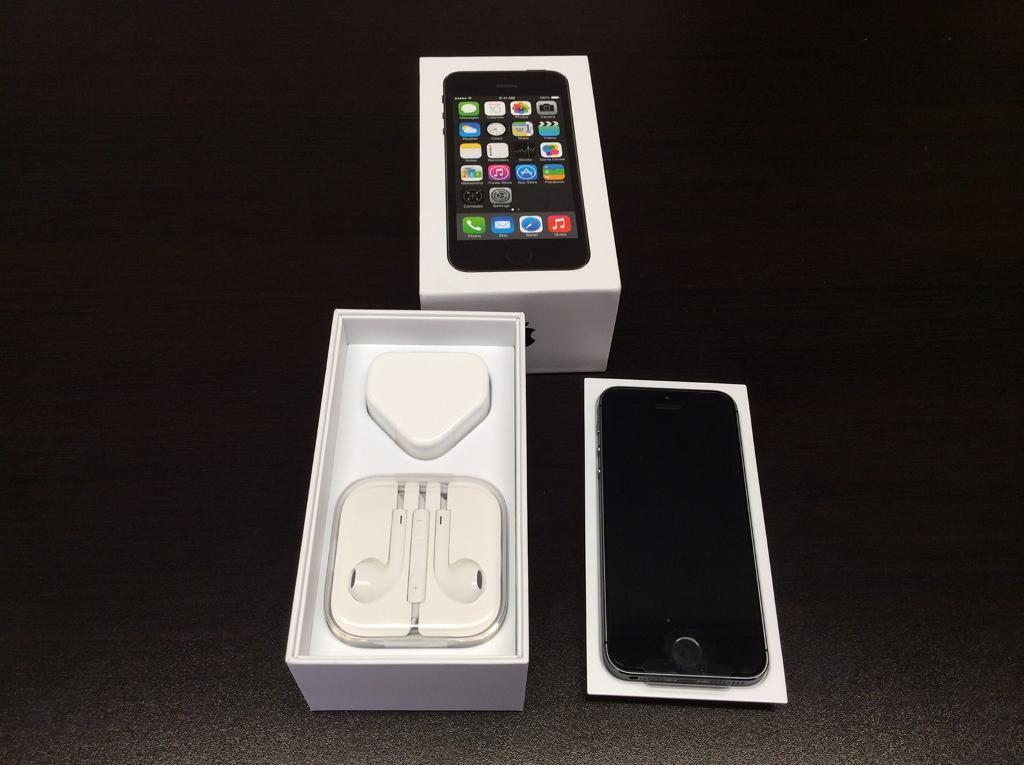 IPhone 5s 64gb unlocked very good condition with warranty and accessoriesin Acocks Green, West MidlandsGumtree - IPhone 5s 64gb unlocked very good condition with warranty and accessories BUY WITH CONFIDENCE FROM A PHONE SHOPFONE SQUAD35 WARWICK ROADSOLIHULLB92 7HSIf using sat Nav only put post code in not door number 0121 707 1234OPEN MONDAY TO SATURDAY 11 TILL...