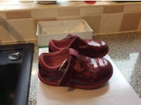 Clarks girls shoes size 4 1/2 G
