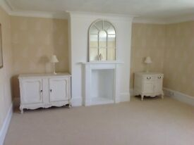 Two bed furnished flat in Kenn