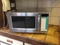 Microwave Almost new 1000 Watt