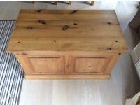 Pine bedding chest
