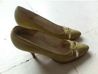 Vintage Italian leather sole high heels