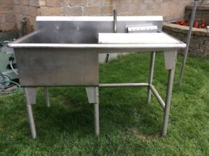 BIG COMMERCIAL STAINLESS STEEL SINK DIM 50x24x30 INCHES