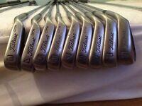 Titleist golf set, drivers, putter & bag