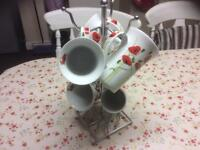 Poppy mugs with mug tree