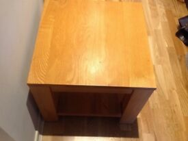 Coffee table.Excellent condition. Very solid!